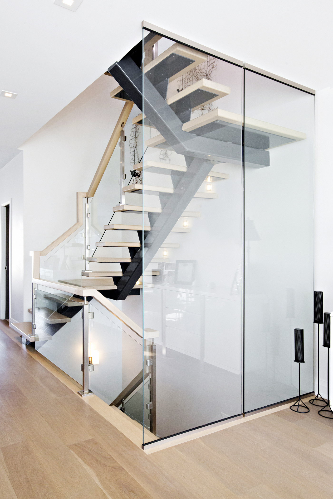 Glass Panel Staircase #119