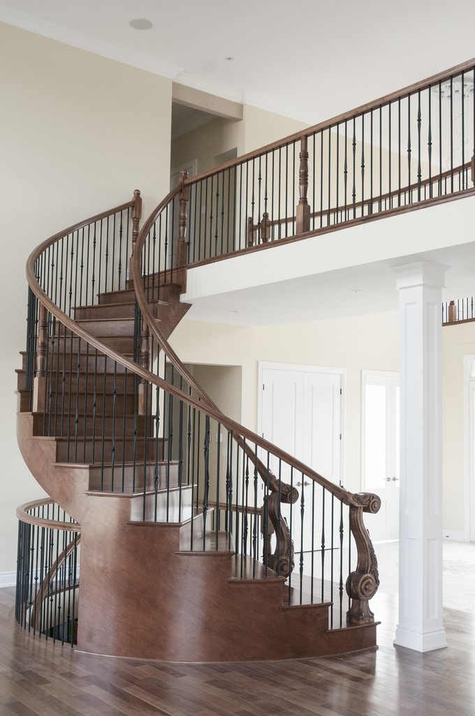 Custom Curved Stair #191
